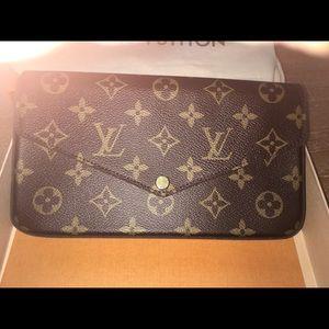 Louis Vuitton Pouchette Felicie